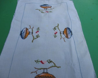 1960s Vintage Embroidered Table Mat