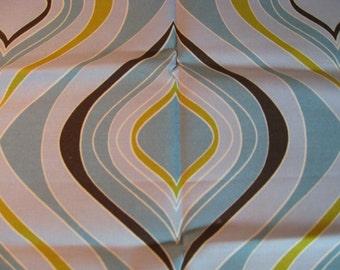 Organic Daisy Jane Modern Ogee Fabric. FQ. OOP