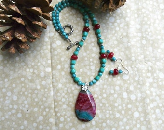 20 Inch Turquoise and Cranberry Agate Pendant Necklace with Earrings
