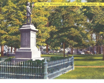 Vintage Linen Postcard....Civil War Monument in Central Park, Honesdale, PA...Unused....no.2033