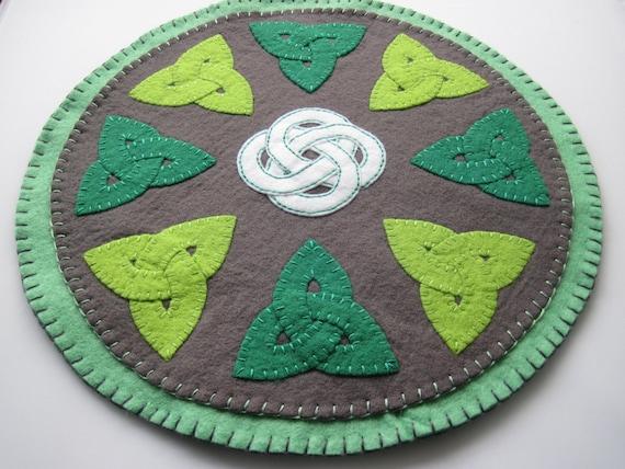 PDF PATTERN Celtic Knot Work Penny Rug Wool Applique Trinity