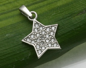 Vintage 14k white gold Star pendant pave Cubic Zirconia Petite Estate sparkly