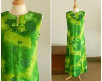 60's LIME GREEN MAXI - Dress / Sleeveless / Asian Inspired / Classic / Excellent Condition / Beach Wear / Resort Wear / Size Medium