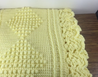 Vintage Crochet Baby Blanket. Lemon Yellow Crib Comforter. Yellow Baby Blanket. Yellow Crochet Blanket. Vintage Crib Bedding. Knit Baby