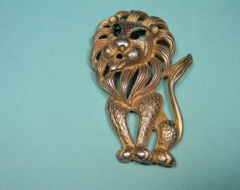 Lion Pendant, Cat Figural, Oversize, Gold Tone Wildlife Fun, Vintage