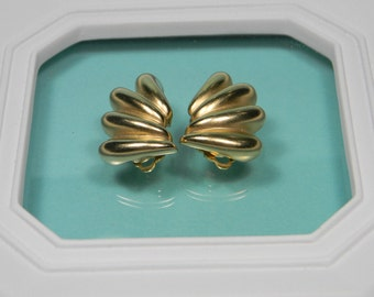 Fabulous Fernando Originals, Frosted Gold Tone Clip On Earrings, 80s, Modern, Signed