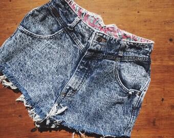 vintage acid wash high waisted denim jean shorts S/M