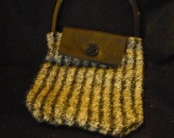 Handwoven black and grey purse