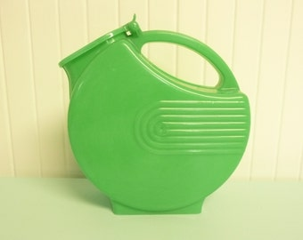 NICE 1950s Pitcher HOLDS WATER Green Art Deco Plastic Pitcher - Vintage Travel Trailer and Home Decor
