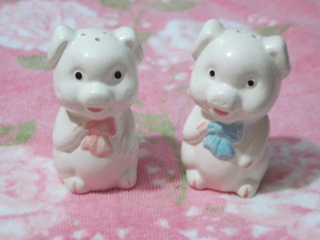 Little Pig Salt And Pepper Shakers By Daysgonebytreasures