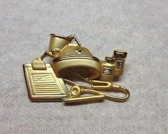 Vintage Goldtone Doctor or Medical Design Pin/Brooch