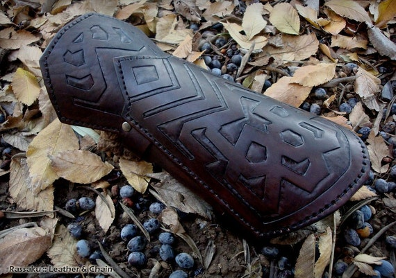 DIY costume-makers pattern for Thorin Oakenshield arm bracers download
