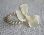 Rosa: {Little Girl} Small Ivory Pearl Bracelet with Ivory Bow - NEWBORN / INFANT