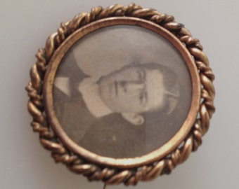 Victorian PHOTO Pin, Victorian BROOCH, Portrait Brooch, Well Dressed Man, TWISTED Brass Frame Portrait Pin