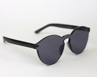 Sunglasses in Graphite
