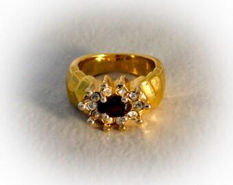 Purple Rhinestone Ring  Art Deco  Size 7   Gold Tone
