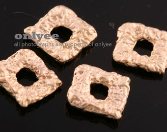 4pcs-7mmX7mm Matte Gold plated over Brass Square inspired Hearts,Charms,Pendants (K068G)