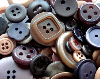 50 Mixed Brown Buttons Pack of Brown Buttons AM16