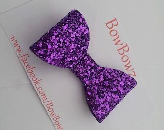 Big Glitter bow in Metallic Purple