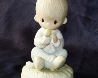 """Vintage 1981 Precious Moments """"I Believe In Miracles"""" Figurine/Jonathan & David/E-7156"""