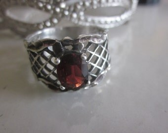 Vintage 925 UIC Red Garnet Ring, Size 8.5, January Birthstone Red Garnet Ring, Birthday, Anniversary, Gift for Mom, Daughter and Friend
