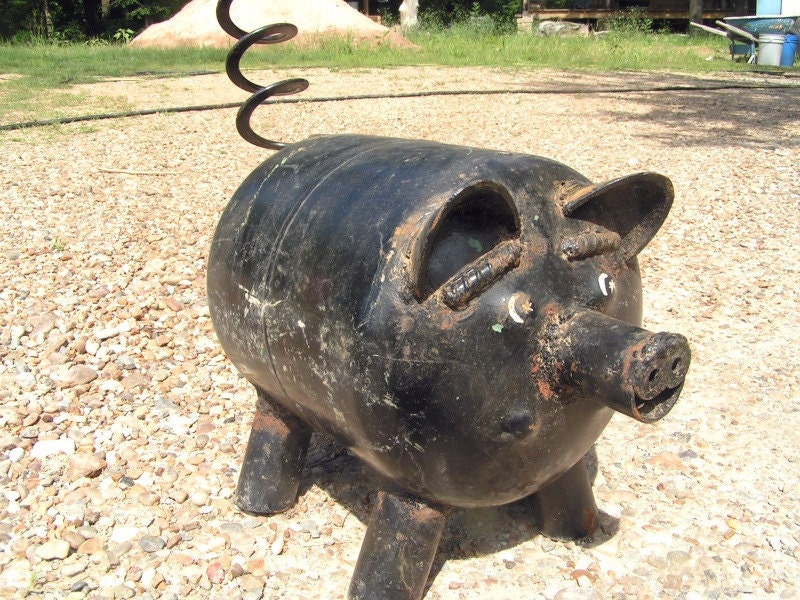 Junk Iron Metal Yard Art Garden Pig Old Recycled Freon Bottle