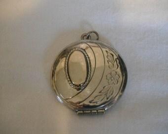 Vintage sterling silver, engrave-able locket