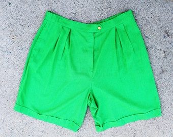Plus Size - Vintage Green High Waist Pleated Shorts (Size 18/20)