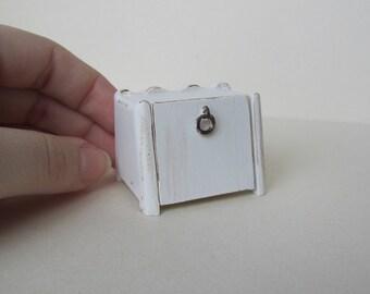 Dollhouse  Miniature Bread/ Cake Box
