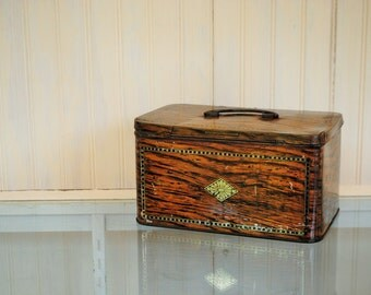 VERY Rough Tobacco tin Reeds Lunchbox with handle ANTIQUE tobacco faux wood art deco latching lunchbox tin  brown gold  Home Decor storage
