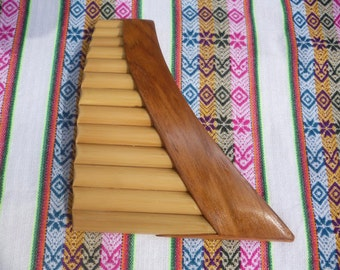 Pan Flute Curved 13 Pipes From Peru -Item in USA - Case Included