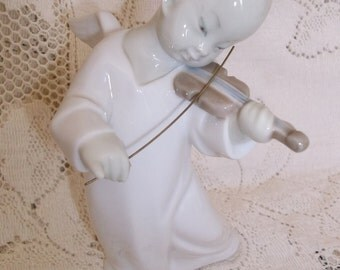 Lladro Chinese Angel With Violin and Bow Glossy