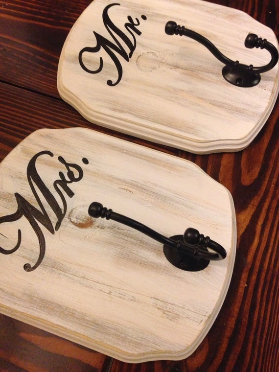 Shabby chic mr and mrs bath signs hooks set of 2 white for Mr and mrs spa