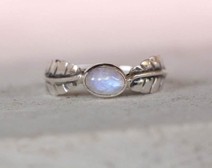 Rainbow Moonstone Silver Ring, Boho Rings, Sterling Silver Rings, Feather Ring, Leaf Ring, Delicate Ring, Small Rings, Gypsy Ring, Don Biu