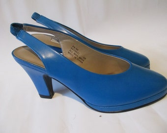 Vintage Women's Turquoise / Blue High Heel Shoes Heels Size 6 Elastic Strap Back Heels- Connie Like New Women's Shoes