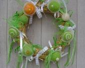 Door wreath, cupcake, green, felt, summer, wood, kitchen, dining, home decor, orange, cookies, muffins,