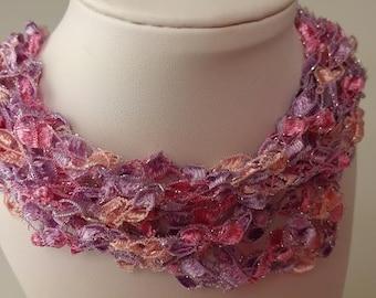 Crochet Trellis Yarn Necklace