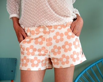 "Retro 60ies shorts ""SWEENY"" in pink-cream"