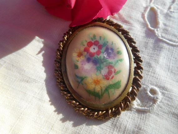 Bouquet Hand Painted French Brooch Copper and Twisted Brass Framed Flowers Noun Daisy #sophieladydeparis