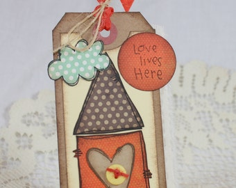 Handmade Gift Tag - Love Lives Here