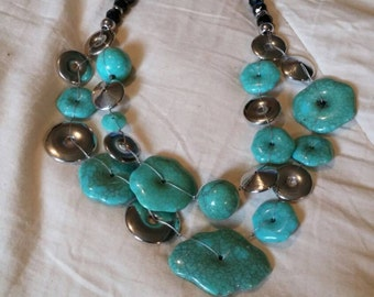 On Sale Inexpensive Bling 20 inch Turquoise Colored Plastic Bead and Silver Toned  Dual Chain Necklace Costume Jewelry Fashion Accessory