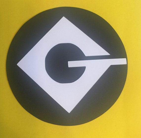 "Yellow colour, similar ""G"" logo, similar hairstyle... Was Guy ..."