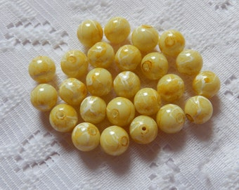 26  Pale Yellow & White Swirled Round Ball Glass Beads  8mm