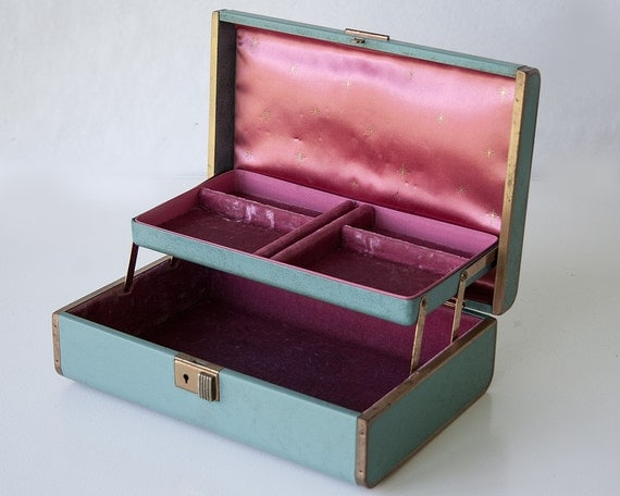 Jewelry Box Velvet Lining Vintage leather velvet lined jewelry box
