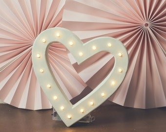 Freestanding 20cm heart shaped marquee light - battery operated