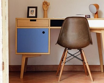 Office Scandinavian style in oak.
