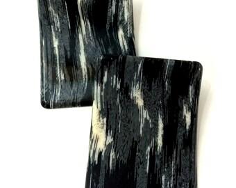 Vintage Shoe Clips - Upright Curved Resin Black/White