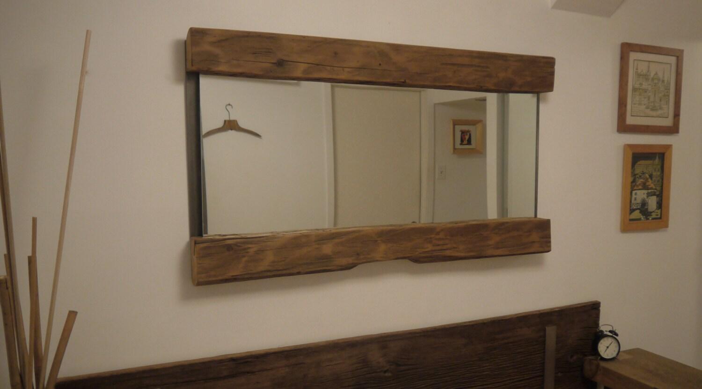 Miroir grand bois de grange recycl e la main d coration for Miroir bois de grange