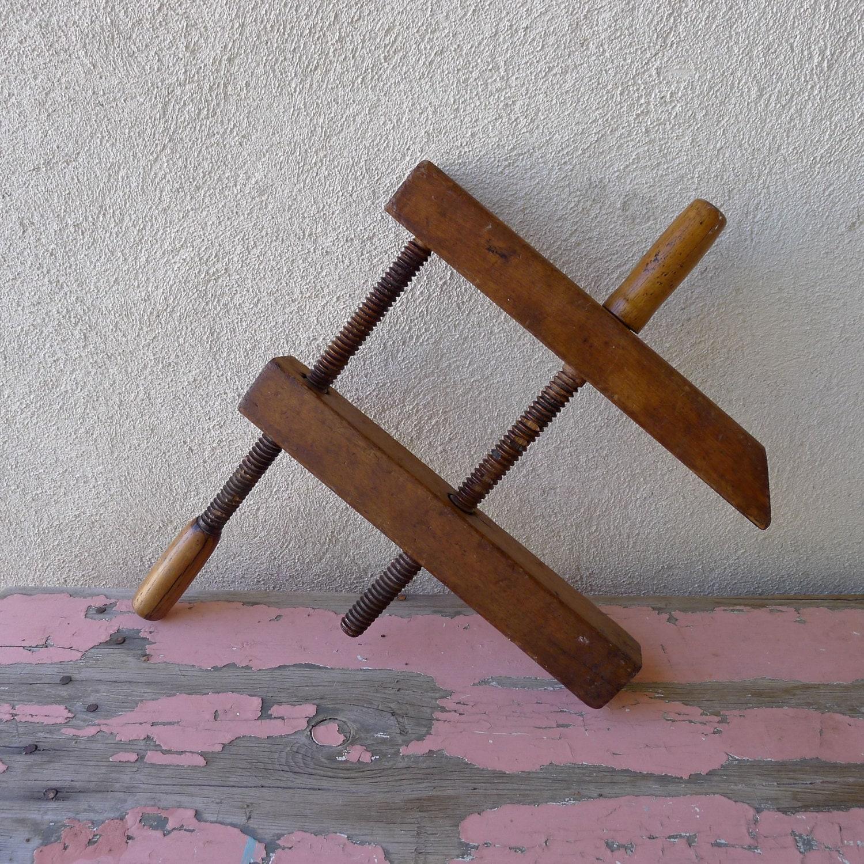 Collectors Antique wooden furniture brace clamp – large