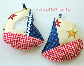 Patriotic red houndstooth and stars Sailboat I Spy bag